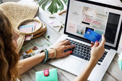 Hoạt động mua sắm trực tuyến thay vì tự đến các cửa hàng là yếu tố đe dọa sức khỏe của nhiều người trong thời hiện đại, theo cảnh báo của các nhà khoa học Hiệp hội Vật lý trị liệu Anh.